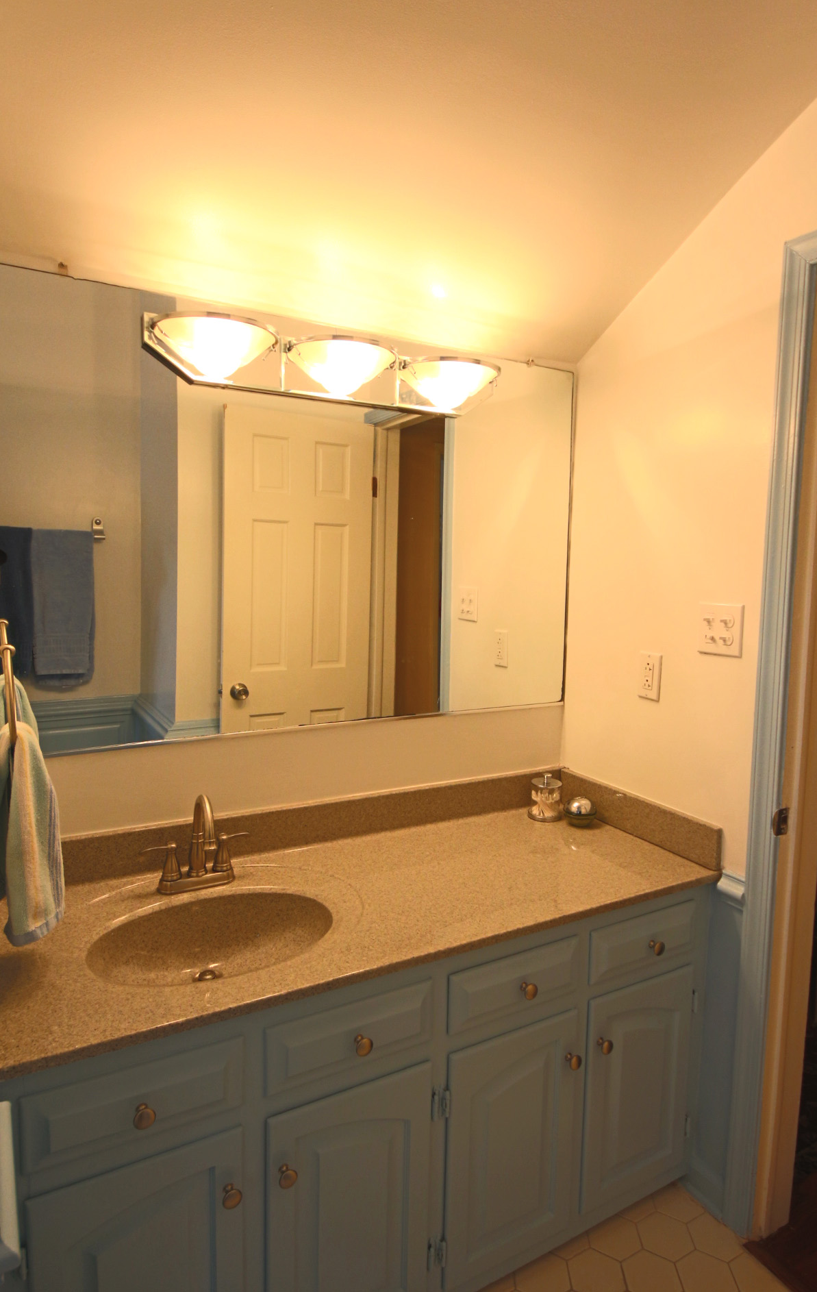 23. Upstairs Bathroom