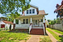 1211 Magnolia Avenue: $265,000