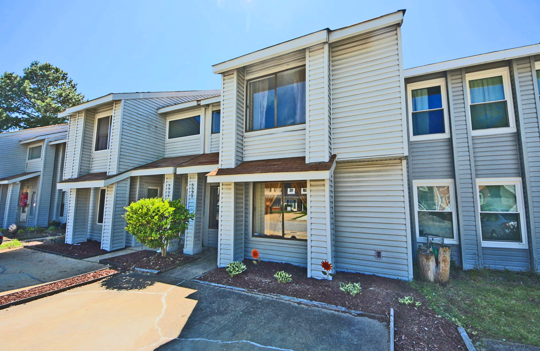 5535 Campus Drive: Sold!