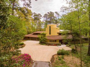 1620 Godfrey Lane: $1,600,000