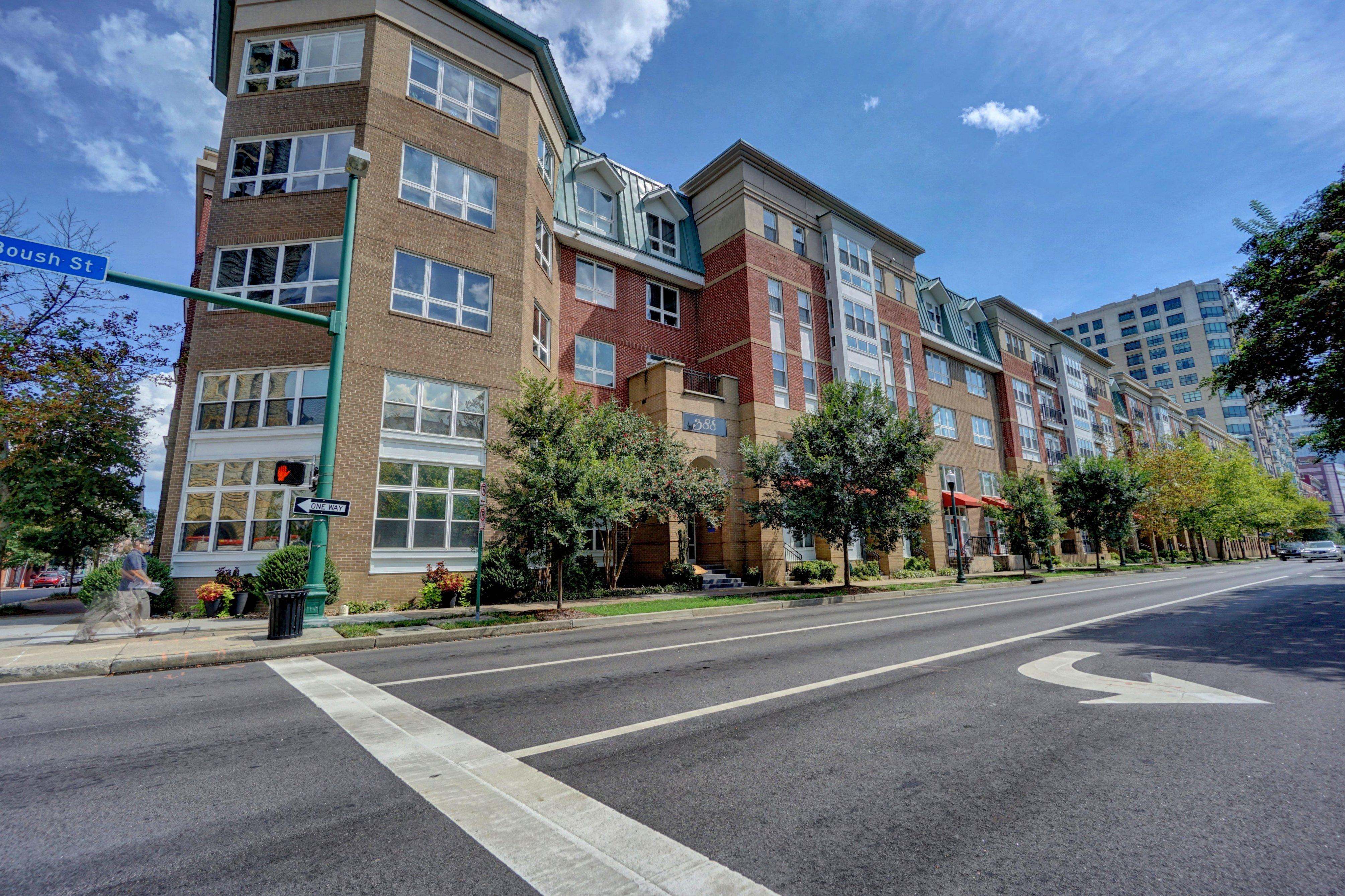 388 Boush Street #414: Sold!